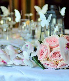 Bogaty tematycznie blog tematyczny, wskazujący na dużą wiedzę dja przygotowującego wesela w województwie opolskim